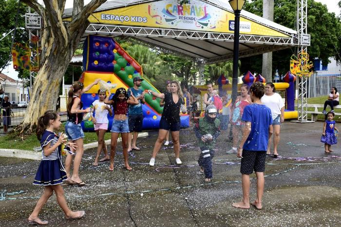 Resende: Fim de semana é de folia no pré-carnaval de Resende