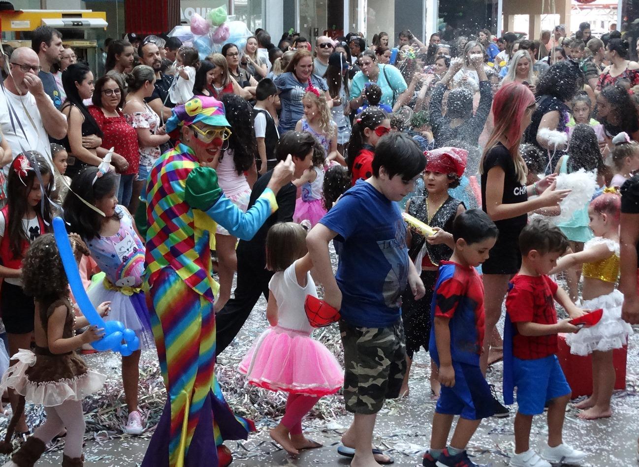 Resende Shopping anima o Carnaval das crianças com Bailinho Infantil