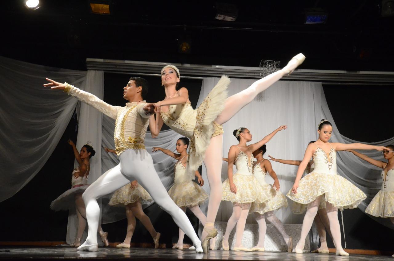 Cia Ballet de Câmara transmite apresentações de dança pela internet