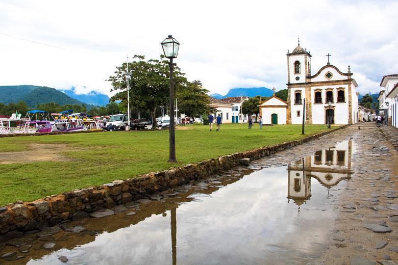 Voos para cidades do litoral do estado reforçam retomada do turismo