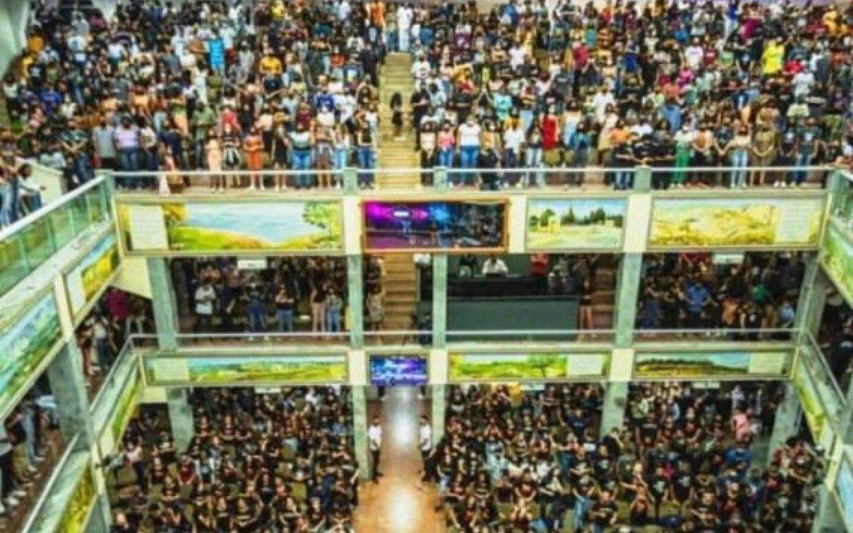 Volta Redonda: Após eventos com aglomeração, justiça interdita sede da Assembleia de Deus no Laranjal