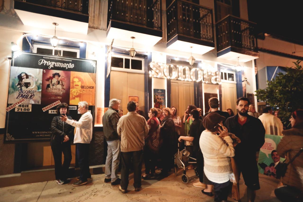 Teatro Sonora em Conservatória sedia Festival de Música e Poesia com nomes consagrados e talentos locais