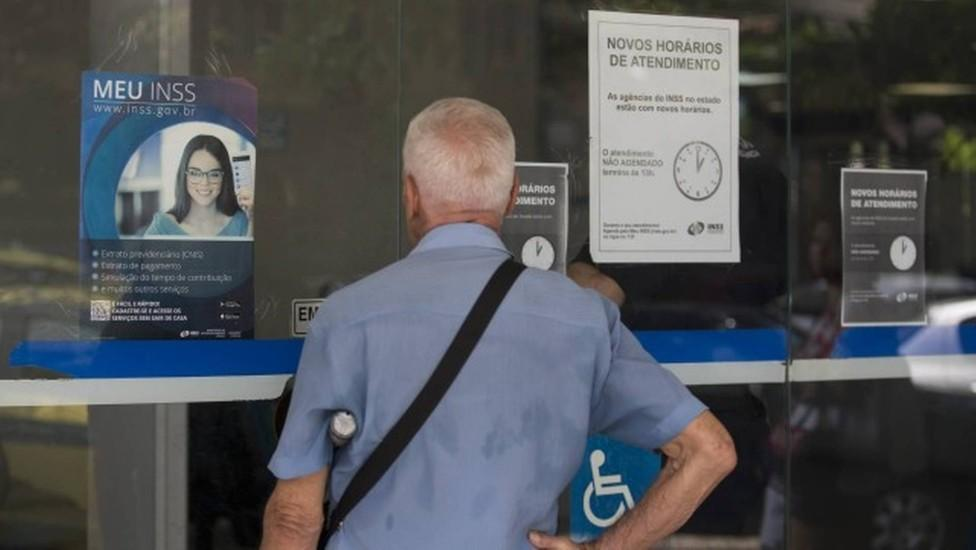 Recadastramento de aposentados é suspenso até 30 de junho