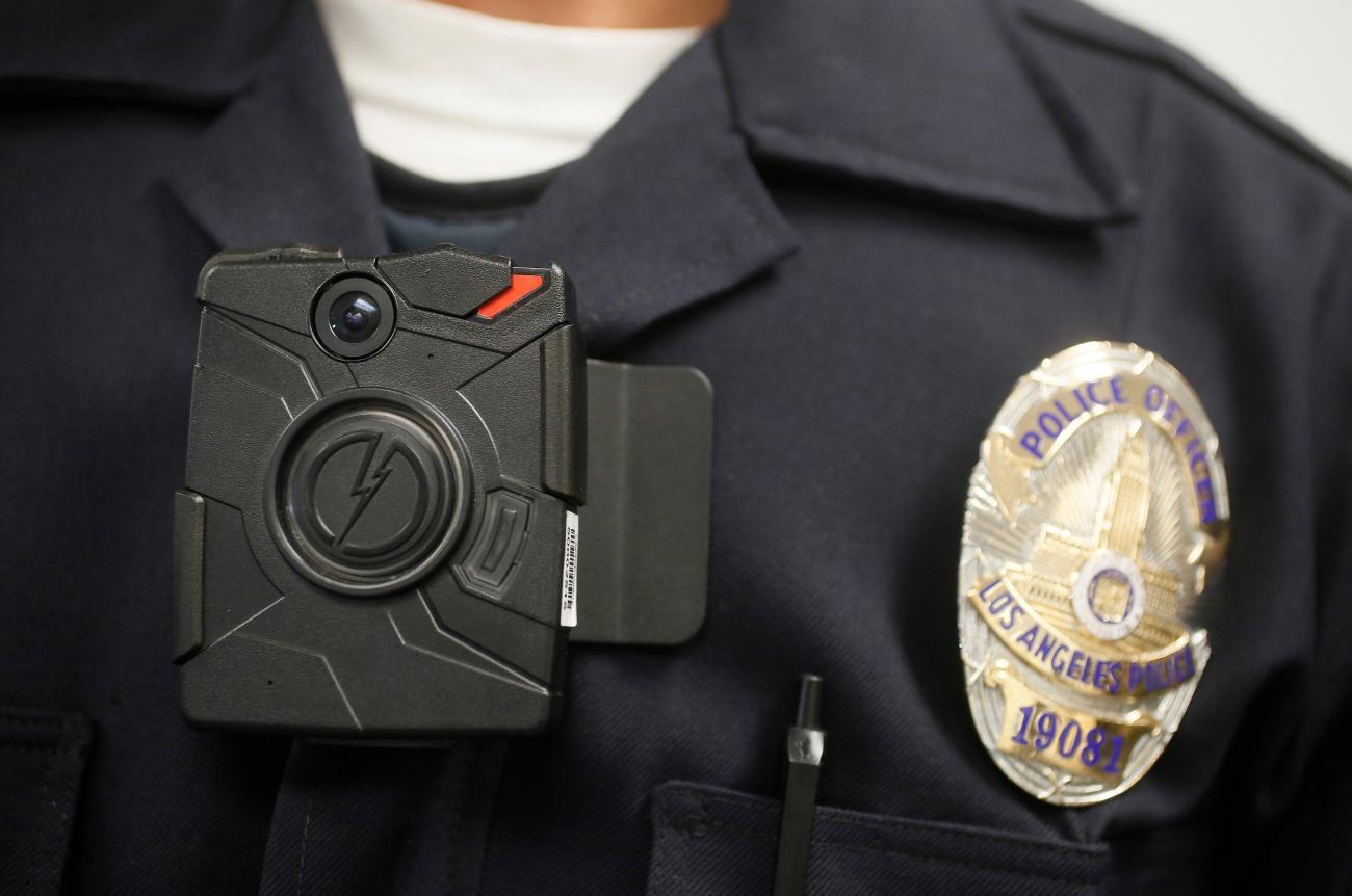 Agora é Lei: Equipamentos de agentes de segurança terão microcâmeras