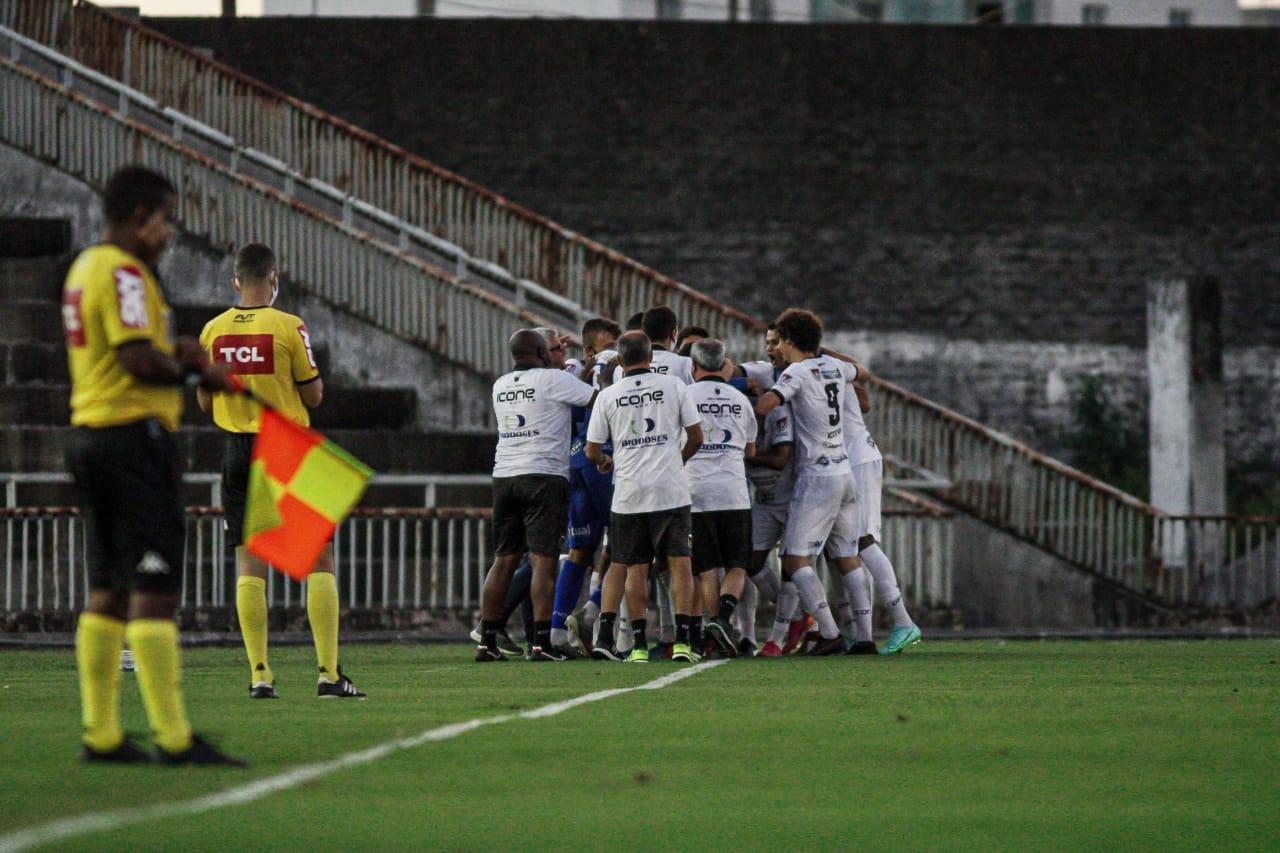 Voltaço vence Botafogo-PB fora de casa e assume liderança do grupo A