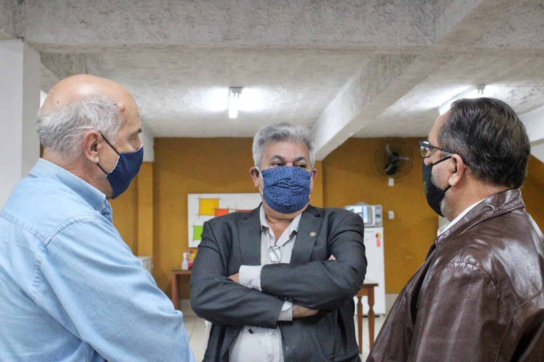 Marcelo Cabeleireiro visita APAE de Barra Mansa